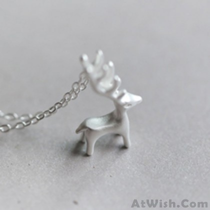Fresh Silver Deer Animal Pendant Necklace Cute Elk Pendant Necklace