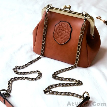 Retro Crip Shell Shape Metal Chain Belt Elegant Small PU Frosted Shoulder Bag