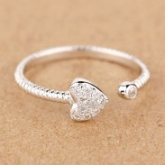 Heart Dough Twist Pattern Rhinestone Opening Ring