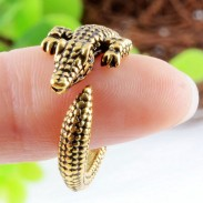 Crawling Crocodile Ring Animals Antique Retro Silver Wrap Alloy