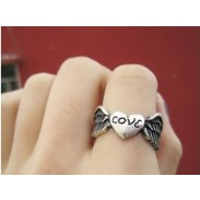 Retro Angel Wings Love Ring