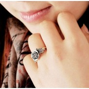 Fashion Lovely Rose Ring