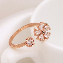Fresh Gold Plated Rhinestone Daisy Opening Ring