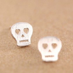 Lovely Hollow Heart Eyes Skull Fashion Matte Silver Earring