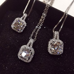 Fashion Cubic Zirconia Pendant Handbag Pattern Clavicle Women Necklace