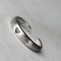Lovely Hollow Heart Opening Rings Silver Tail Rings
