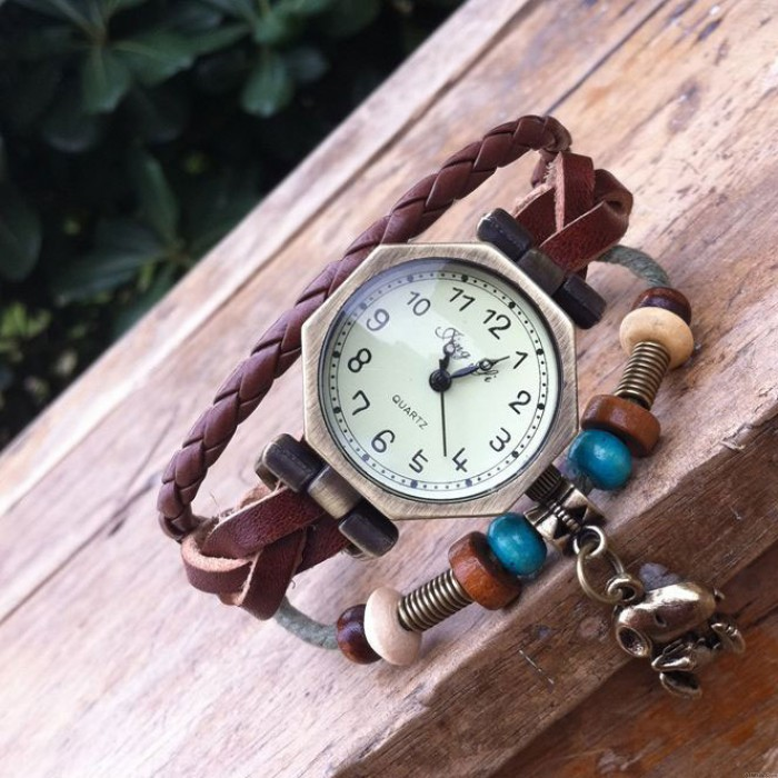 Fashion Square Puppy Bracelet Watch