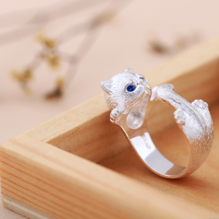 Cute Crystal Blue Eyes Cat As the Circulai Ring  Open Ring