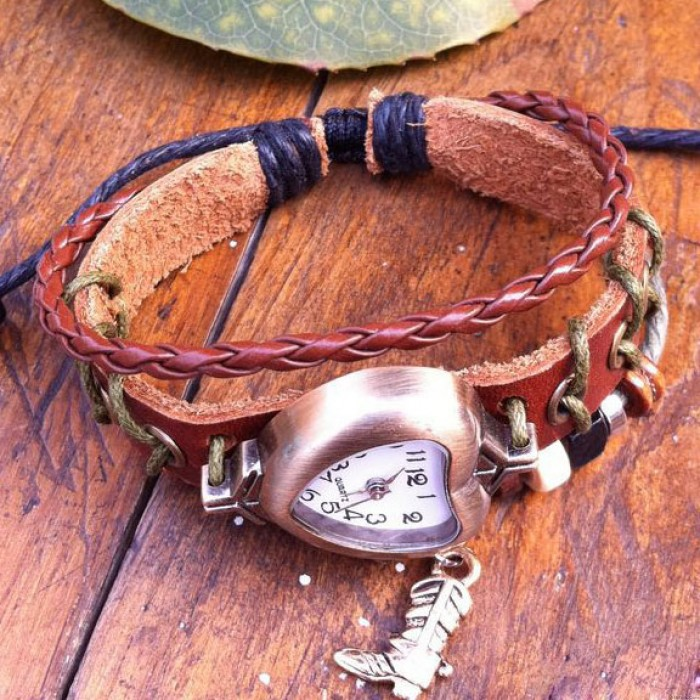 heart-shaped retro fashion bracelet watch