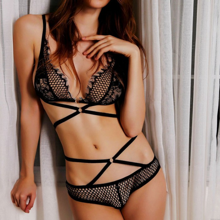 Sexy See Through Temptation Bundling Lady's V-neck Lace Hollowed-out Backless Lingerie