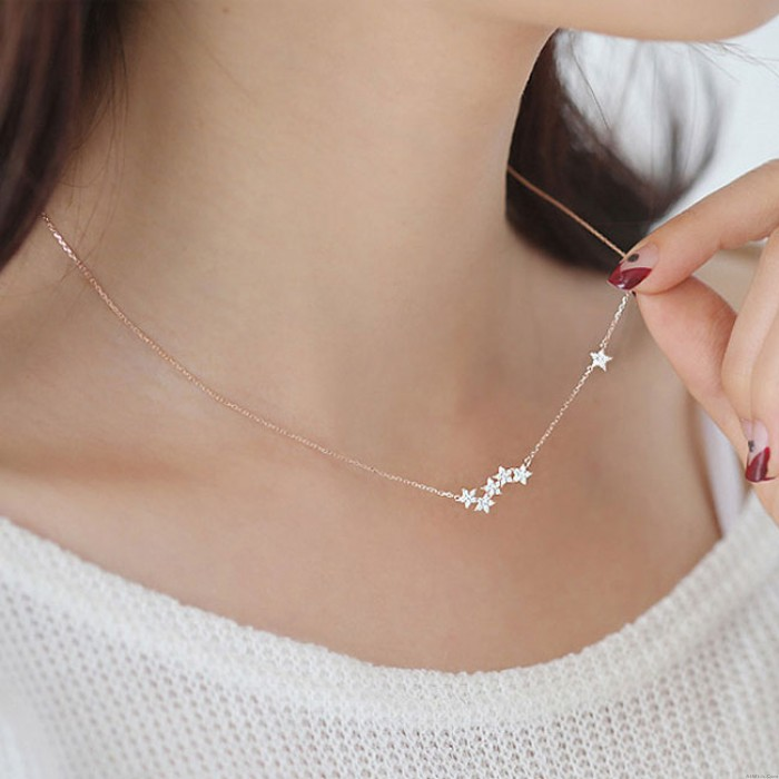 Fashion Women's Pentagon Stars Clavicle Chain Short Gold-plated Necklace