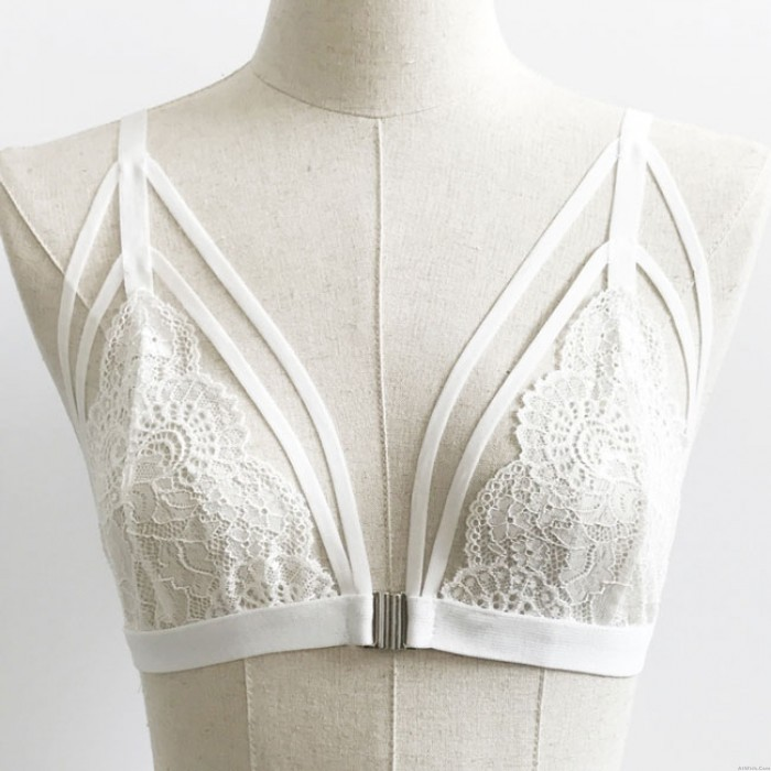 Sexy See Through Front Fastenings Bra Temptation Bundling Backless Bikini Lady's V-neck Lace Lingerie