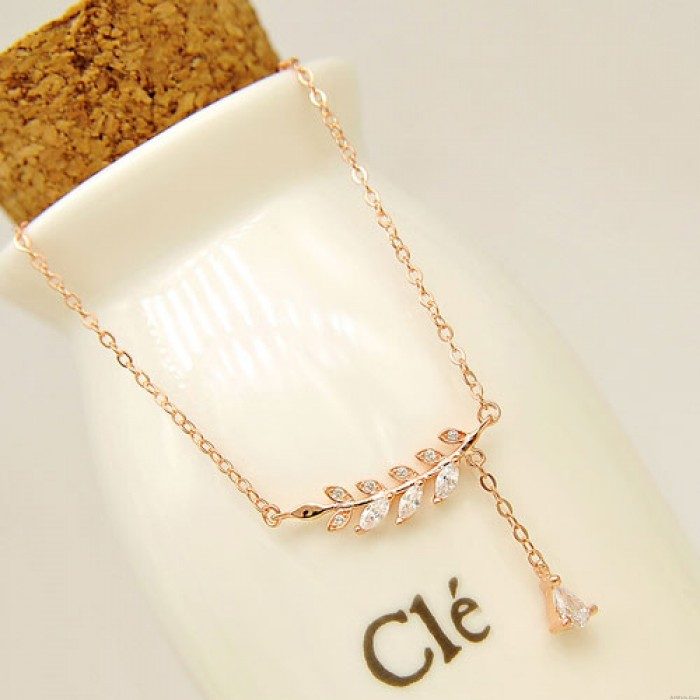 Leaves And Branches Diamond Pendant Sweet Clavicle Necklace