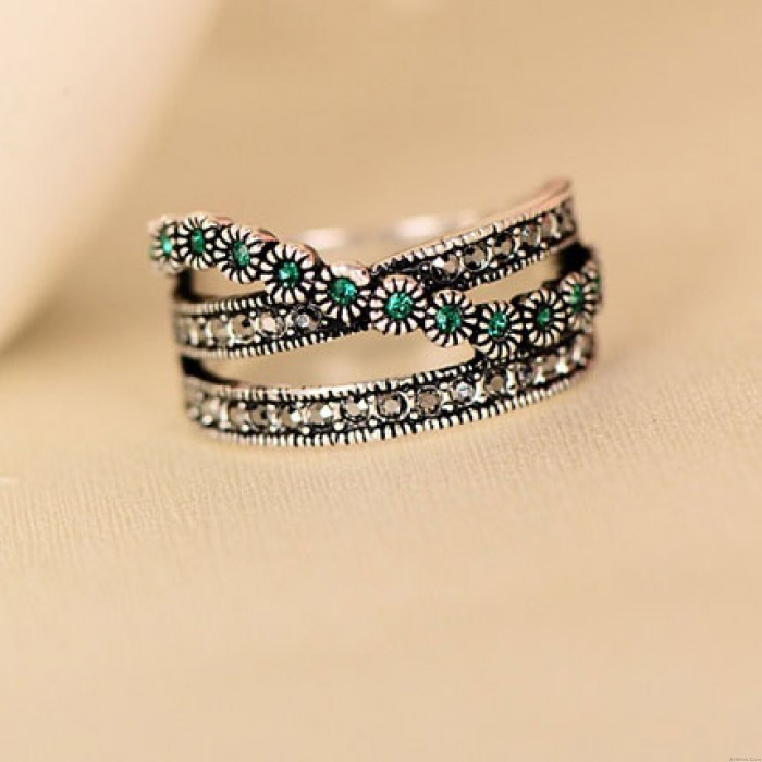 Retro Double Row Green Crystal Rings
