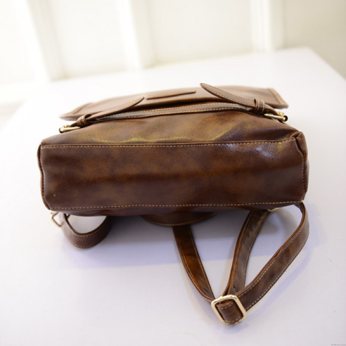 Retro Simple Street Square Clam shell Solid Travel Backpack