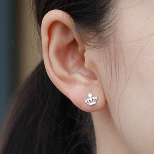 Lovley Crown Silver Earring Stud